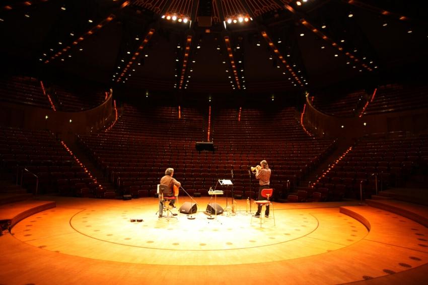 Snétberger I Stockhausen LANDSCAPES - Philharmonic Cologne© Jörg Schirner